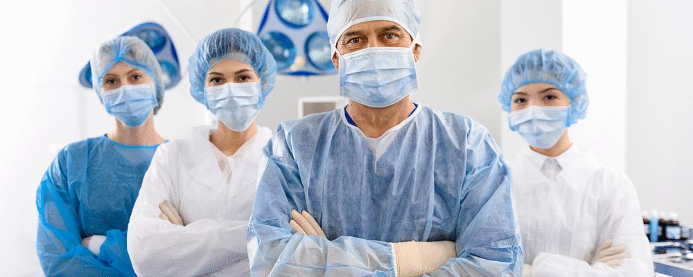 COVID-19 pode ter matado até 180 mil profissionais da saúde segundo a OMS