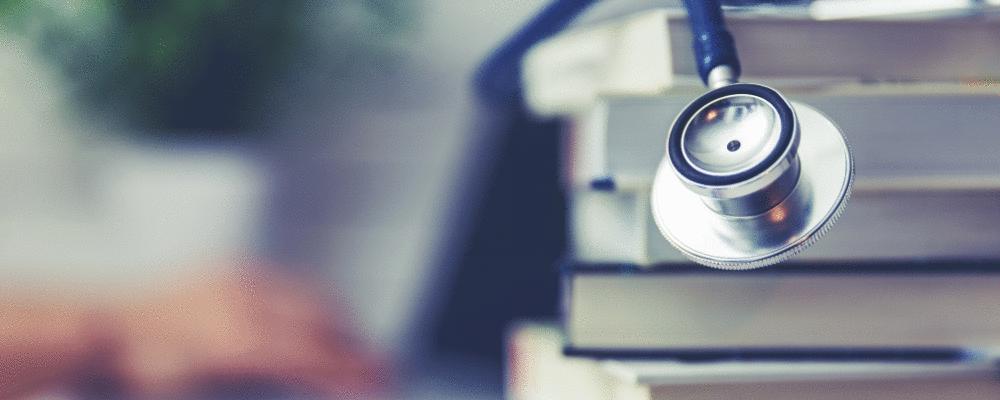 94% das faculdades de medicina não oferecem formação de qualidade segundo o CFM