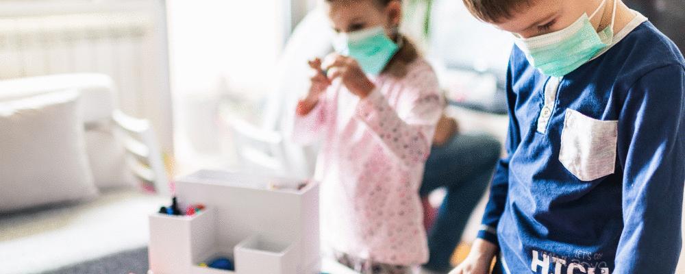 Crianças mais novas transmitem mais COVID dentro de casa que as mais velhas