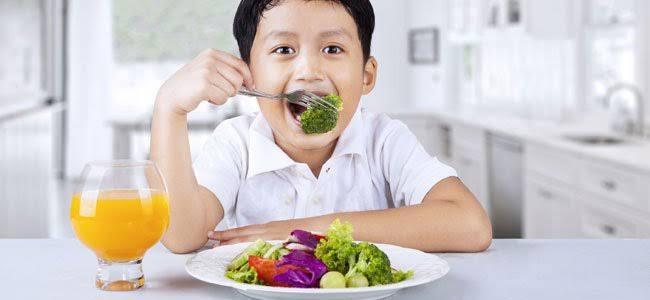 O risco de dietas veganas em idade pediátrica
