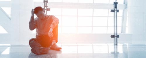 O limite entre o efeito Werther, a loucura, a fama e o suicídio