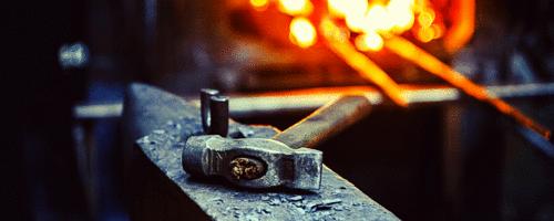 A forja e o martelo