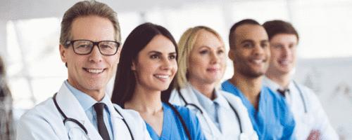 Você sabia que apenas 4 das 55 especialidades médicas concentram quase metade da população médica do Brasil?