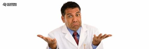 Por que as pessoas chamam o médico de doutor?