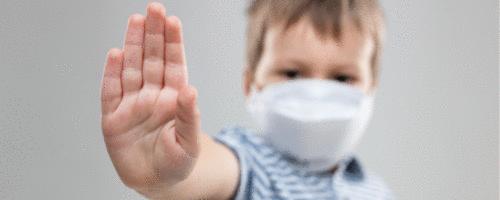 SBP se pronuncia sobre atitude de Bolsonaro de retirar máscara de criança